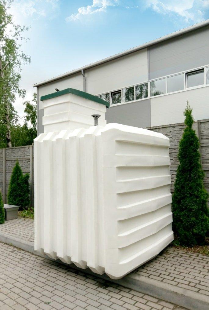 Пластиковый погреб Чистовод для дома и коттеджа - производится в Минске в Беларуси - внешний вид с наружи