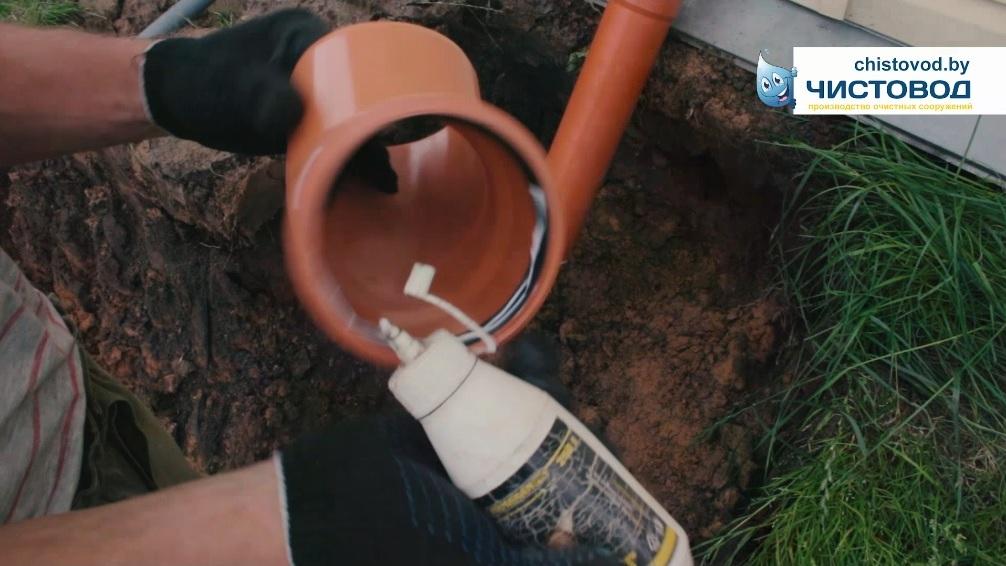 Выводим канализацию дачного домика наружу